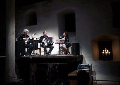 Tini Kainrath, Karl Hodina & Vlado Blum in der Mühle Ottelfingen 2014, Schweiz